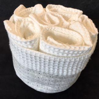 corbeille tissu avec serviettes